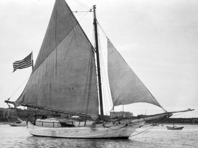 The Spray, Joshua Slocum 's sailing boat, taken in 1898
